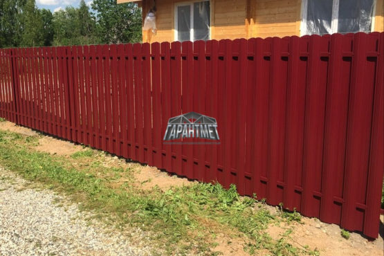 Забор из металлического штакетника, евроштакетника в Ярославле