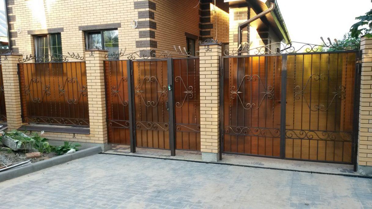 кирпичные столбы ворот и калитки